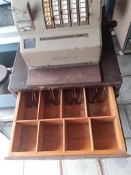 Máquina  registradora antiga nacional