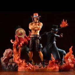 3 Action Figure irmão jurados Luffy, Ace e Sabo - DXF Brotherhood - One Piece