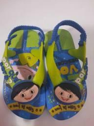 Título do anúncio: Calçados e sandálias menino