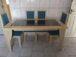 Título do anúncio: Mesa de Jantar com Tampo de Vidro e 6 cadeiras