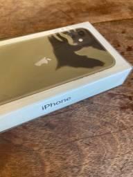 iPhone 11 64Gb preto - lacrado