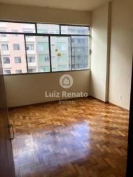 Título do anúncio: Apartamento c/ 04 Quartos, 03 Salas, 03 Banheiros (01 Suíte), 01 vaga - 183m² à venda no C