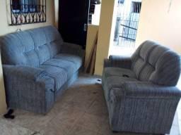 Título do anúncio: Vendo um conjunto de sofá e uma cama box de casal