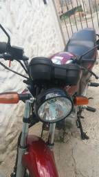 Título do anúncio: Vendo moto (esta no guincho)
