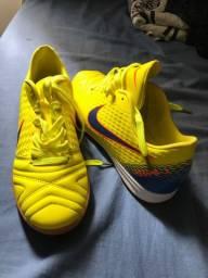 Tênis Nike Tiempo