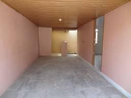 Casa em alvenaria com 02 quartos- Santa Cândida
