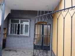 Excelente casa com sala 02 dormitórios servindo residencia ou comercial