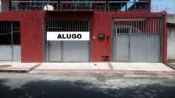 Alugo casa anual no centro de Jacaraipe/ 3qrt/1suit