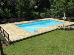 Caetano Imóveis - Sítio com piscina, casa toda avarandada, capelinha e muito mais!