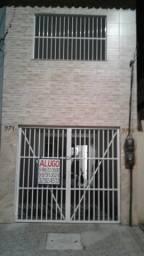 Alugo Casa no Montese R$ 800