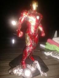 Estátua Homem de Ferro