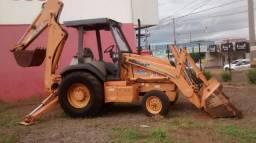 Retroescavadeira Case 4X2