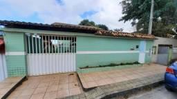 Casa no Bairro Itapebussu com área de lazer - Piscina e churrasqueira