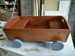 Brinquedo - Carrinho infantil de madeira