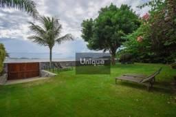 Casa frente mar em Manguinhos