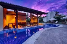 Apartamento duplex mobiliado na Praia de Pipa em condomínio verde com piscina