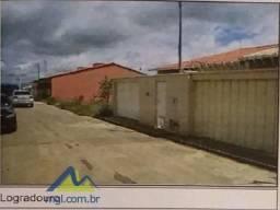 E) Casa com 2 quartos na cidade de São João Del Rei/MG