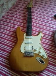 Guitarra Importada Stratocaster comprar usado  Niterói