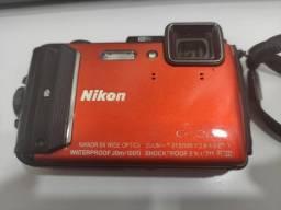 Câmera Fotográfica Digital À Prova D´Água Nikon - Coolpix W300
