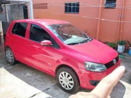 Vende se - Volkswagen fox 1.0 MI 8V Flex 5P - Vermelho - 2011