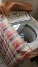Máquina de Lavar semi-nova 12kg Electrolux