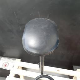 Apoio de Pé Manicure / em Ferro Preto 52 cm x 34 cm x 34 cm
