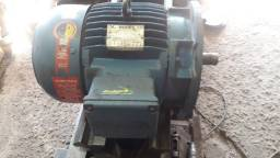 Motor trifásico 7.5 CV 3500rpm