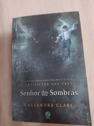 Título do anúncio: Livro Senhor Das Sombras - Artifício das trevas