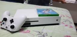 Xbox one s 1Tb. Branco. 1 controle. 1 Jogo fifa 19.