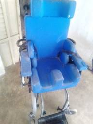 Cadeira de roda pra criança especial