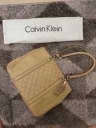 Bolsa nude Calvin Klein