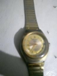 Título do anúncio: Vendo um relógio Seiko 5 antigo algarismo romano automático e a corda