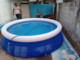 Vende- se piscina, ela tem 4,600l cabe de 3 adultos e 3 crianças.