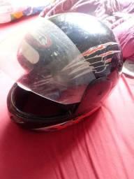 Vendo 2 capacetes nao entrego