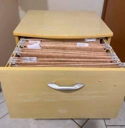 Título do anúncio: Arquivo de Madeira com duas gavetas.