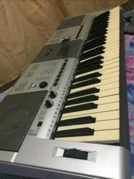 VENDO Yamaha psr E 403