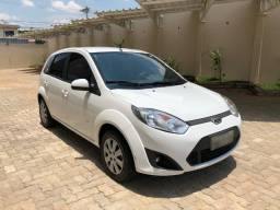 Fiesta 1.0 Rocam SE Plus Hatch 8V Flex 4P Manual - 2014