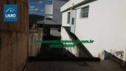 Vende-se 02 casas com quintais grandes no Jardim Iracema