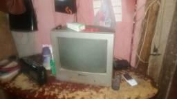 Vendo TV pequena$100