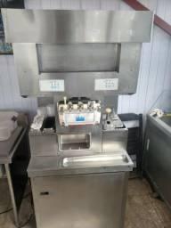 Maquina de sorvetes Taylor 8756 casquinha e milkshak