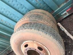 Pneus com rodas 1100x 22