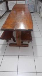 Vendo mesa de madeira 1250reais