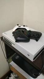 Xbox one Branco 3 controles Oportunidade