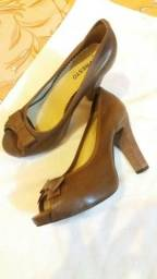 Sapatos nr 34 vendo urgente 60 os dois