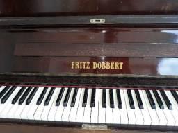 Piano de parede Fritz Dobbert