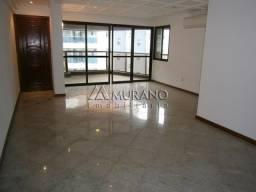 Murano Imobiliária aluga cobertura duplex de 6 quartos na Praia da Costa, Vila Velha - ES.