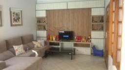 Casa à venda com 3 dormitórios cod:V4630