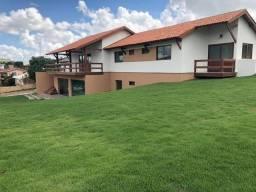 Casa nova com 5 suítes - Terreno com mil metros Ref.M003