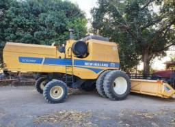 Colheitadeira NEW HOLLAND TC