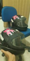 Dois capacetes San Marino
